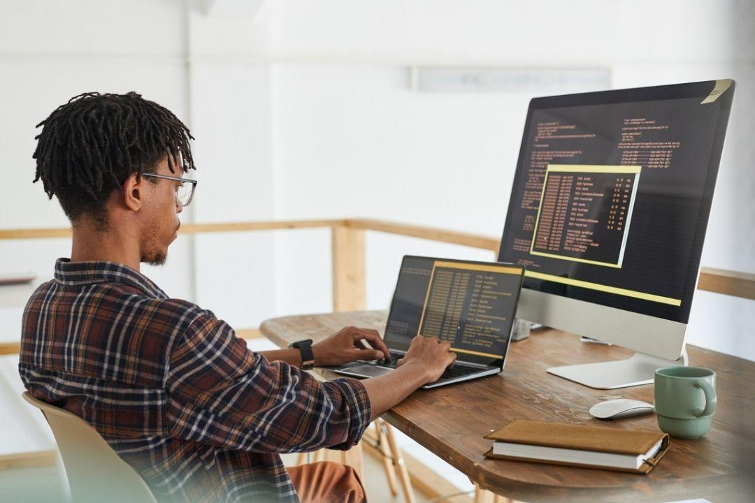 Software Engineering Career Paths 4 Cool Coding Jobs FEATURED